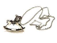 Bijou alliage argenté collier sautoir pendentif cheval à bascule Naf Naf