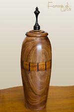urna potiche vaso scatola con tappo in legno lavorato intarsiato al tornio