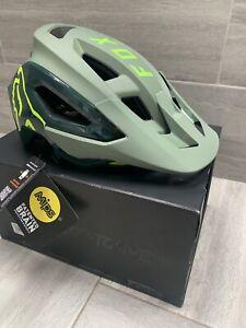 fox speedframe pro helmet. large