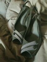 East 5 Th Heels Charcoal Gray Back Strap Dress Shoes Sz6