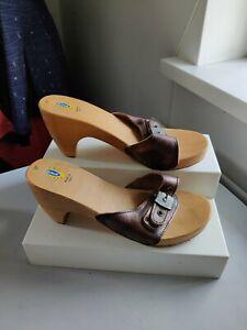 Dr scholl sandals Sliders Brown Leather Wooden Heel Sz 38