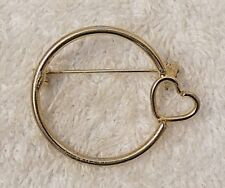Round Loop Heart Gold Tone Vl-R1 Classic Pin Brooch Whimsical Circular Design