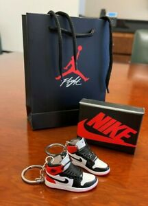 3D MIni Sneaker Keychain - Air Jordan 1 Original Red White & Black Pair (2)