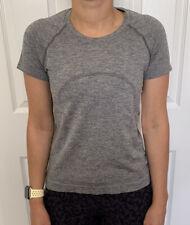 Lululemon Size 2 Swiftly Tech Short Sleeve 2.0 *Race Gray GGRE/SILD Run SS Yoga