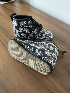 Dr Martens Baby Booties Boots UK 3 EU 19 Black floral Auburn Pram Crib Shoe