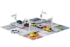 Tomica Gift Play with Tomica Town Traffic Light & Crossing