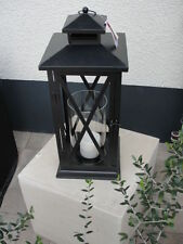 Moderne Deko-Kerzenständer & -Teelichthalter aus Metall mit Lampen