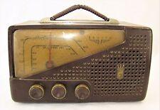 Vintage 1950 ZENITH Bakelite AM FM Tube Radio Model G724 - # M-554539 - It Works