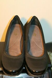 CLARKS BENDABLES WOMEN'S WEDGE SLIP ON SHOES SIZE-8,5 M BLACK FABRIC LEATHER