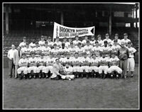 1952 Brooklyn Dodgers Large Team Photo 11X14 Robinson Reese Campanella Pennant