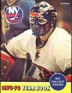 1975/1976 NHL Hockey New York Islanders Yearbook EX