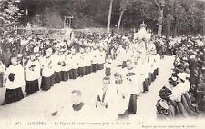 LOURDES 271 LL le départ du saint-sacrement pour la procession