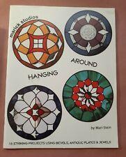 Hanging Around by Mari Stein - Stained Glass Pattern