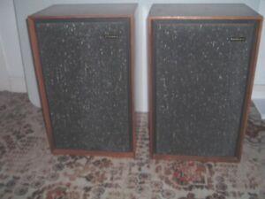 Goodmans Magnum K Speakers M-Range Walnut.