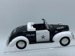 Liberty Classics- 1940 Ford Convertible Police Car Bank 1:25 60001 w/Box