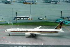 Phoenix 1:400 Singapore Airlines B777-300ER 9V-SNA