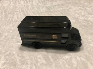 UPS Replica P-600 Delivery Toy Truck Scale 1:55