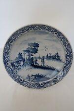 Delft grand plat rond en faïence - décor bleu et blanc asiatique - Diam 31 cm