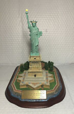 The Danbury Mint - Lighted Statue of Liberty - Collectible