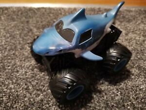Monster Jam Truck - MEGALODON - REV AND ROAR - Fantastic condition