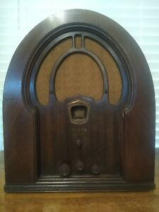 Vintg. 1933 Philco Cathedral Model 71 & 22L AM Tabletop Tube Radio Needs Antenna