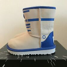 UGG Youth Kids Size 1 Classic II R2-D2 Winter Boots  Star Wars Leather Blue Gray