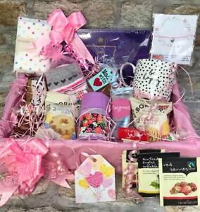 Luxury gift hamper , female, mum,aunt gift, chocolates candles, birthday hamper,