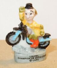 LAUREL (& HARDY) CHAMPION DE MOTO CROSS FEVE PORCELAINE 3D 1/87 HO NEUF