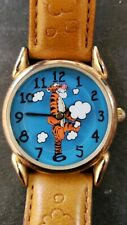 WOMEN'S DISNEY TIGGER WATCH ROTATING CLOUDS GOLD TONE LEATHER BAND NEW BATTERY