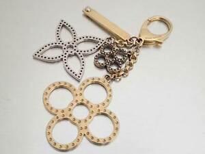 Auth Louis Vuitton Monogram Flower Charm Holder Gold/Silvertone Metal - e45134f