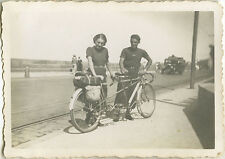 PHOTO ANCIENNE - VINTAGE SNAPSHOT - VÉLO BICYCLETTE TANDEM ST MALO -BIKE BICYCLE