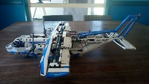 LEGO Technic Cargo Plane 42025 All parts working and fully built