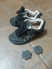 heely youth size 2 shoe pre-owned light wear