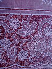 Stoviglie e biancheria da cucina rosso floreale
