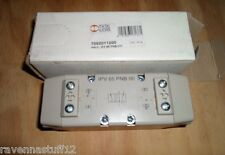 METAL WORK 7052011200 PNEUMATIC VALVE (NEW IN BOX)