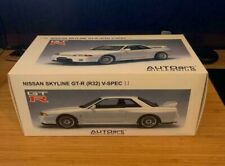 1/18 AUTOart Nissan Skyline R32 GT-R V-Spec II CRYSTAL WHITE MIB SCALE MODEL