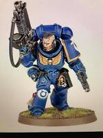 ML Warhammer 40,000 Space Marines Primaris Lieutenant Auto Bolt Rifle and Pistol