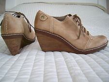 NEW CLARKS SOFTWEAR BEIGE TAN LEATHER WEDGE  LACE UP SHOE BOOTS BOOTIES SHOES 7