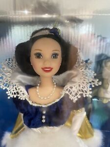 Holiday Princess Snow White Special Edition Walt Disney IOB