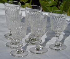 Baccarat - Service de 6 verres à vin cuit en cristal taillé. Début XXe s.