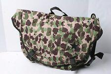 Converse Messenger To Go Bag (Camo Purple)