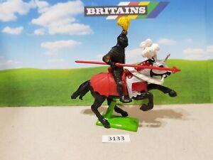 Britains Deetail Crusader Mounted Black Knight (lot 3133)