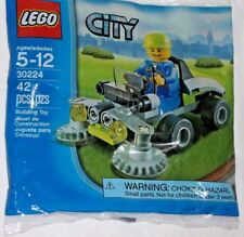 LEGO new PROMO POLYBAG set 30224 CITY Lawn Ride On Mower Landscape Mini figure