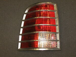 2002-2005 MERCURY MOUNTAINEER LEFT TAIL LIGHT ASSEMBLY