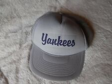 Pre Owned New York Yankees Gray Snap Back Trucker Mesh Hat