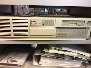 DEC Digital AlphaStation 250 4/266 Working Tested