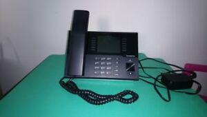 Innovaphone IP222 VoIP SIP Phone / Farbdisplay mit Stand / PoE / Telefon