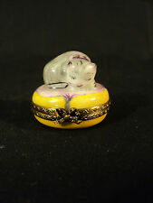 CUTE LIMOGES PORCELAIN MINIATURE TRINKET/ PILL BOX YELLOW CUSHION with GRAY CAT