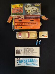 CORGI TOYS 261 ASTON MARTIN DB5 JAMES BOND 007 MODELCAR 1:43 COMPLETE & ORIGINAL
