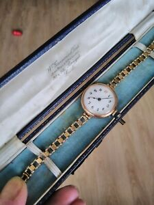LOVELY ANTIQUE 9CT ROSE GOLD LADIES WATCH & GOLD STRAP IN BOX. WORKING